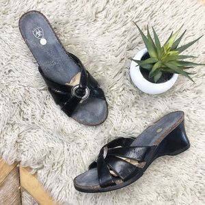 •ARIAT•Black Strappy Leather Silver Wedge Sandals